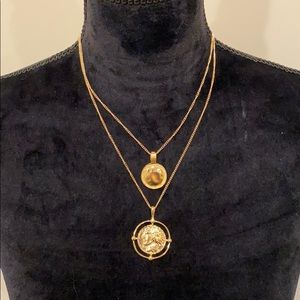 Coin necklace can wear all yr
